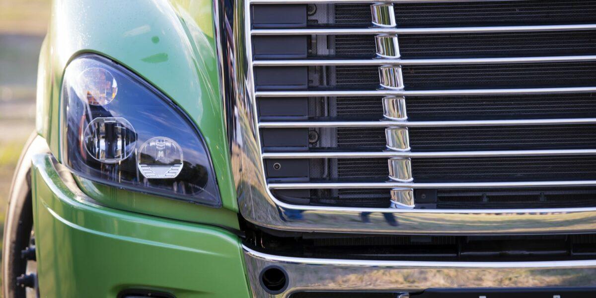 Choosing a Trucking School