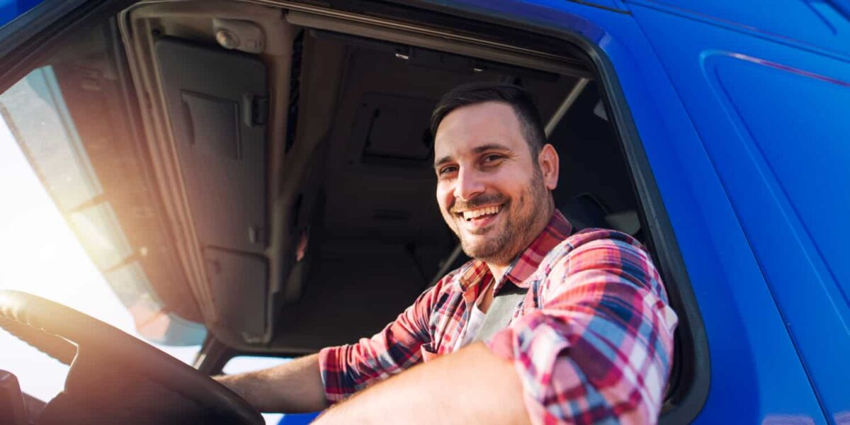Signs You Should Become a Truck Driver